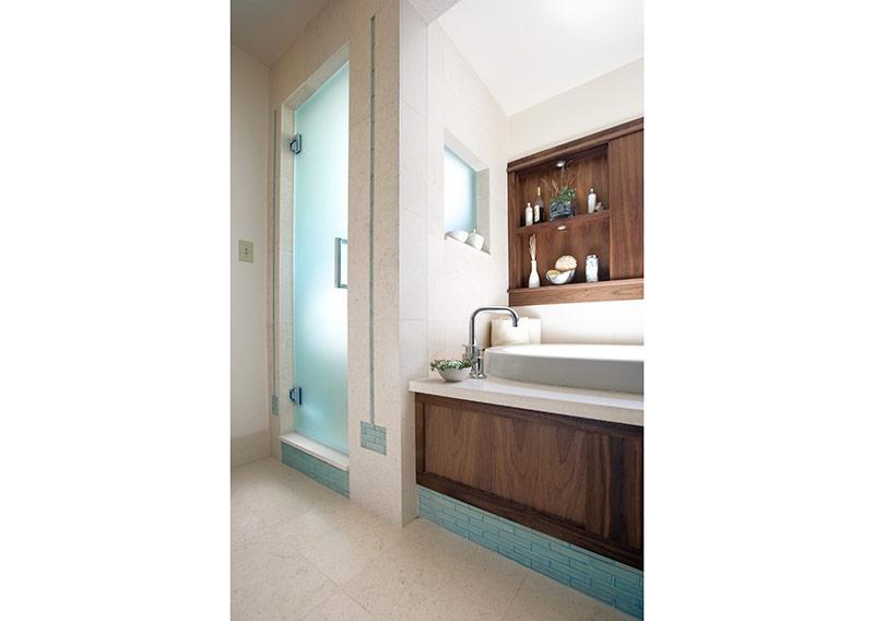 thousandoaks_bathroom_2